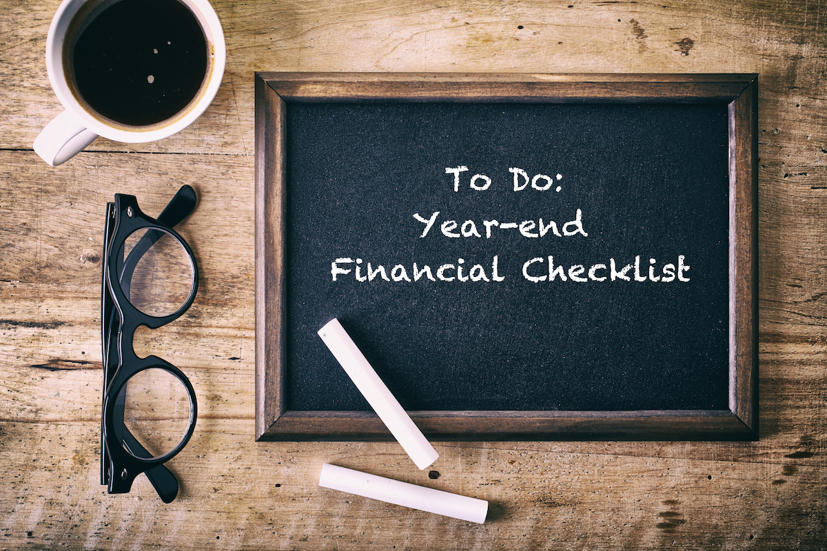 Chalkboard To-Do list: Year-End Financial Checklist